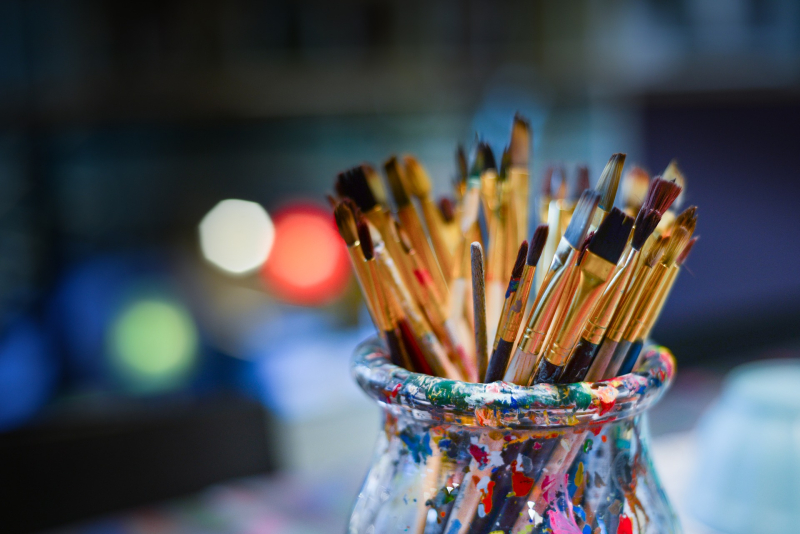Paintbrushes - 100 art therapy exercises